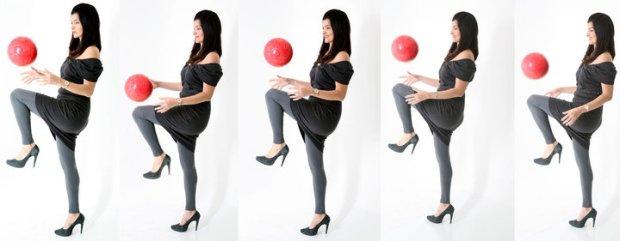 Post do Facebook, 5 anos atrás (22/setembro/2010): Fazendo embaixadinha de salto alto, vestido e com a Bola Vermelha