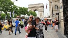 PARIS Pai Mae Arco
